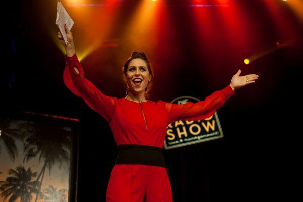 Moderatorin Britta Steffenhagen im IVR Jumpsuit, Radio 1 Radioshow im Heimathafen Berlin, 2015
