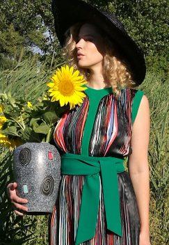 Olympe de Gouges mit Vase-3
